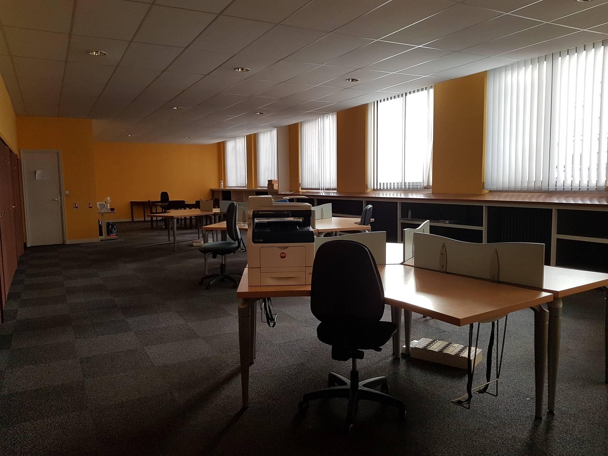 Loue beaux bureaux de 328 m² centre ville de le havre adrian parker